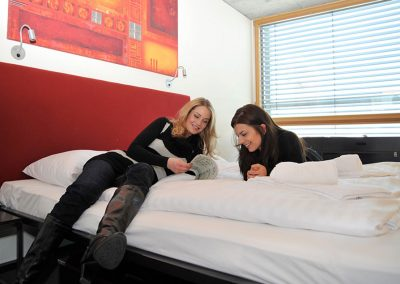 cube hotel 2bed room girls