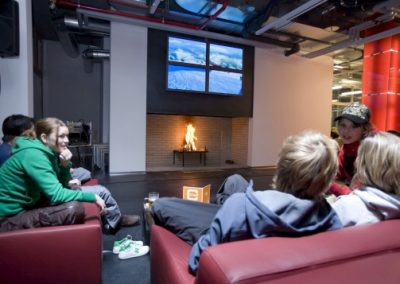 cube hotel chill out lounge flatscreen open fire place