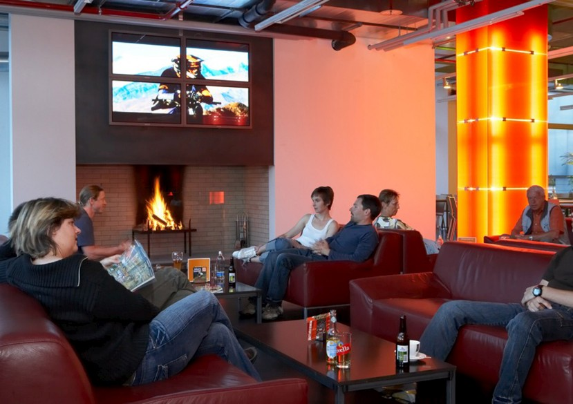 cube hotel chill out lounge open fire place loftarchitektur